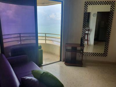 Apartamentos Arriendos  El Cabrero, frente mar