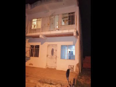 Casas Ventas  Pontezuela, casa dividida