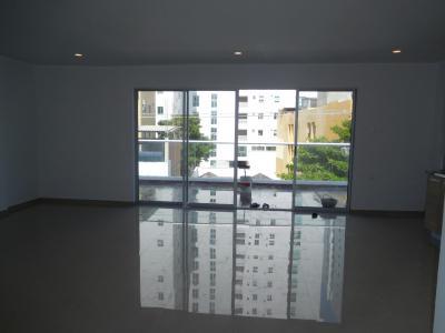 Apartamentos Arriendos  Manga 2do y 3er piso