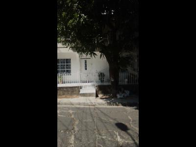 Casas Ventas  Caracoles, casa dividida