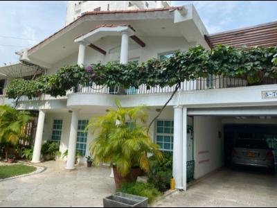 Casas Ventas  Castillogrande, casa de oportunidad 325Mts², 4 alc