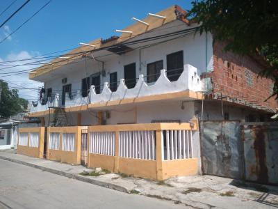 Casas Ventas  Bosque, con 5 apartamentos